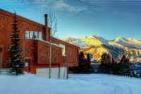 Exterior of Gold Point overlooking Breckenridge